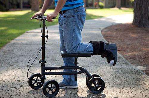 KneeRover Economy Steerable Knee Walker Scooters Crutch Alternative