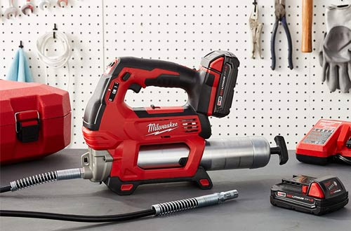 Milwaukee 2646-22CT M18 Battery Operated Cordless Grease Guns